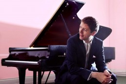 Finghin Collins pianist – New Ross Piano Festival