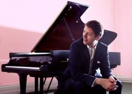Finghin Collins pianist – New Ross Piano Festival